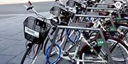 El Consorcio de Transportes Bahía de Cádiz refuerza su apuesta por la movilidad sostenible en Jerez con un nuevo punto de préstamo de bicicletas públicas.